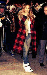 la-modella-mafia-Jennifer-Lopez-in-a-Michael-Kors-plaid-coat-with-fur-and-Giusseppe-Zannotti-sneakers-2