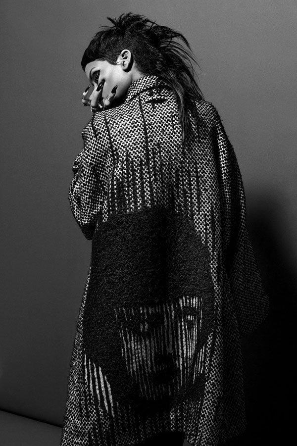 Rihanna-032c-2 - Αντίγραφο
